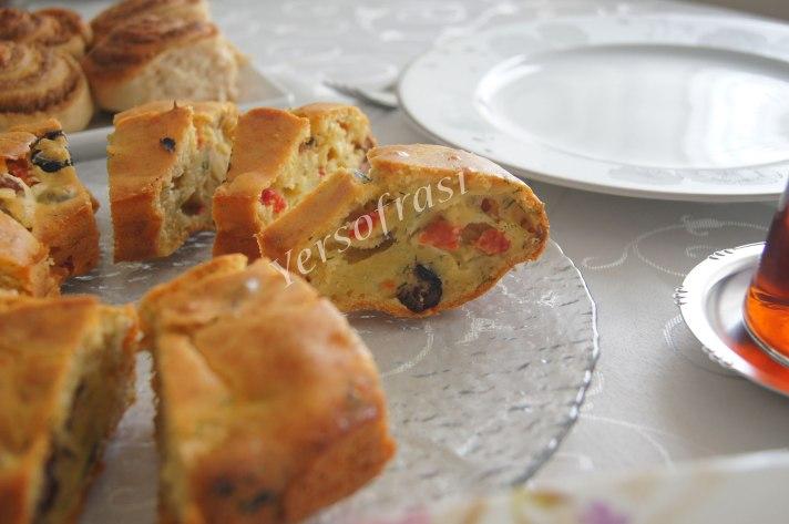 zeytinli-biberli-kek