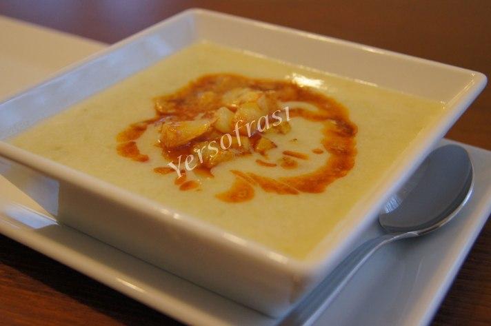 patatesli-bezelye-corbasi